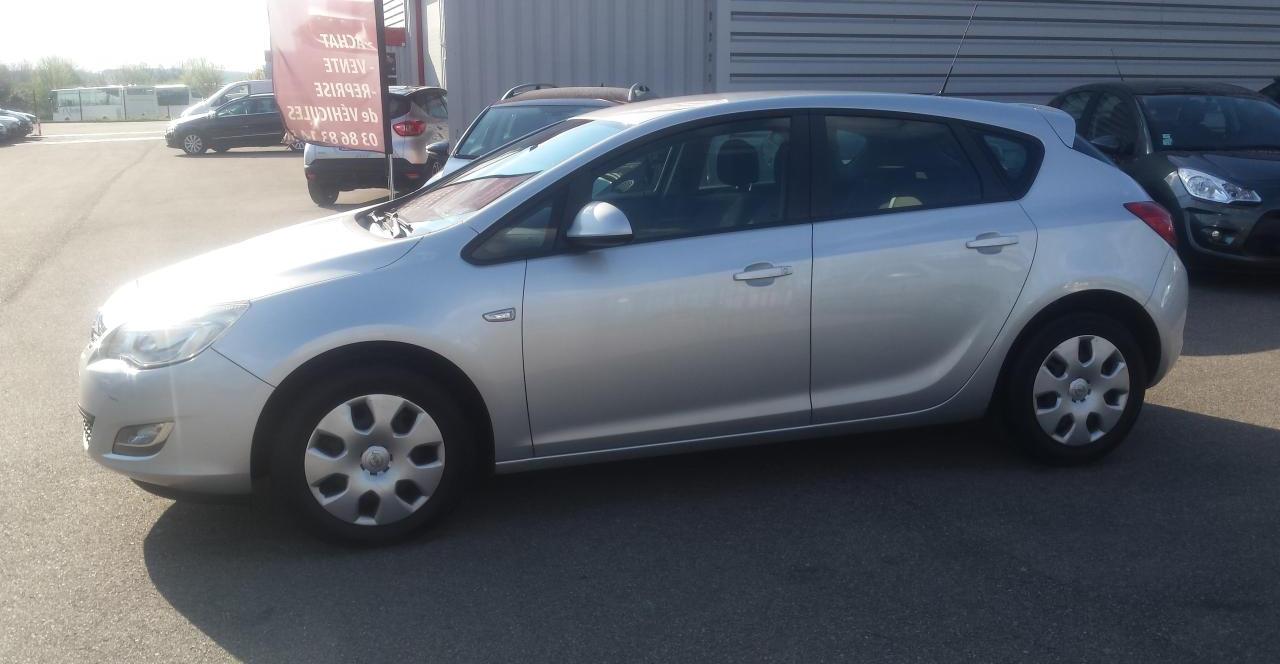 annonce Opel Astra  hatchback 1.3 cdti ecoflex 95 cv  occasion